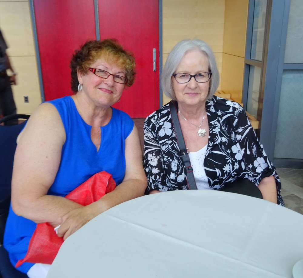 Linda Mickle with cousin Marilyn Denley at LAC, Photo by I Lee