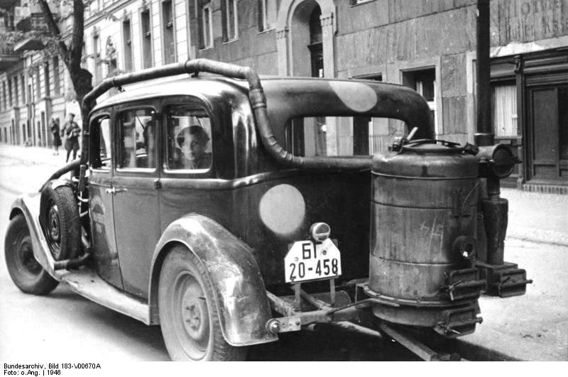 Wood burning car picture from Bundesarchiv Googe image from http://krisdedecker.typepad.com/.a/6a00e0099229e88833012876d498a2970c-pi
