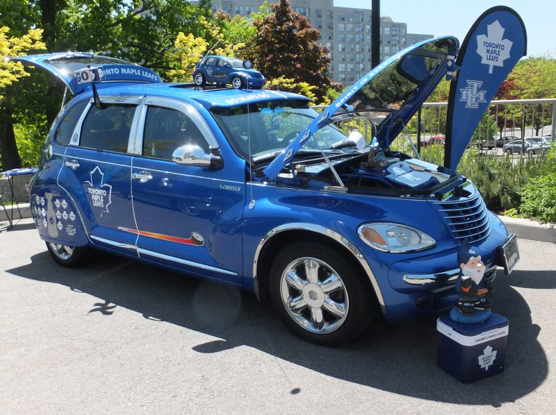 Bill's Toronto Maple Leafs car at 2014 Palisades Car Show photo by I Lee 31May 2014