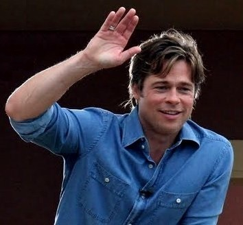Brad Pitt Right Hand Google image from http://3.bp.blogspot.com/-tEtBAVfJtUM/TfQKmRhm8jI/AAAAAAAAAHA/ZFevHNvMG9c/s400/brad-pitt-right-new-11790-4.jpg