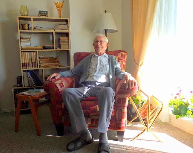 Carl Kaas relaxing at home, St. Charles Village, Nov. 2, 2014