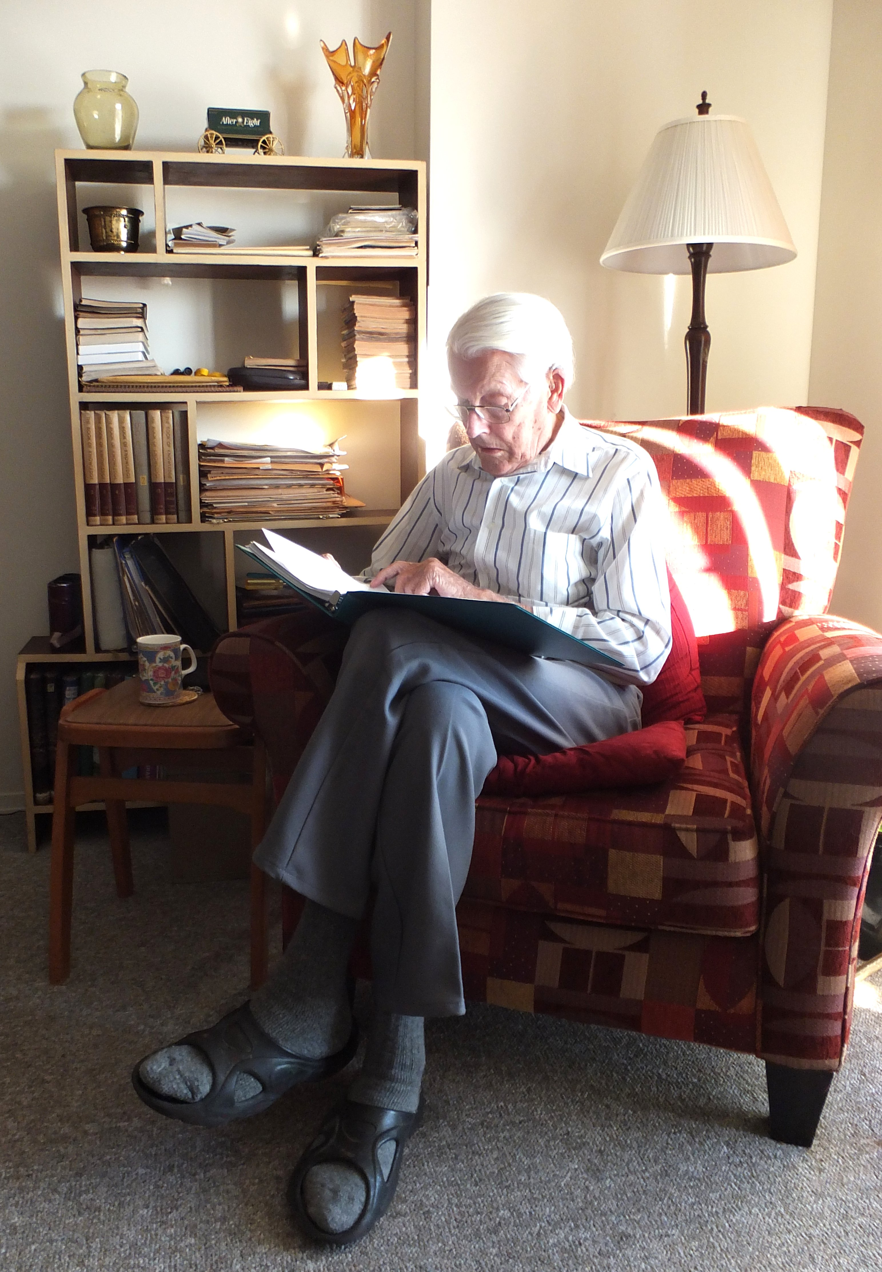 Carl Reading at home St Charles Village 2 Nov 2014