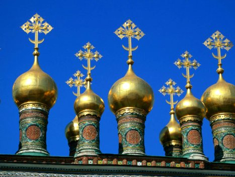 golden-domes-of-terem-palace-kremlin-moscow-russia-posters_i3645348_.htm
