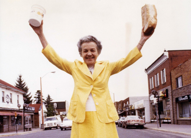 Hazel McCallion promotes Streetsville Founders Bread and Honey Festival Google image from http://www.insauga.com/hazel-mccallions-photos-through-the-years. Created by the Streetsville and District Chamber of Commerce in 1973. Publisher/husband Sam McCallion, first President in 1974.