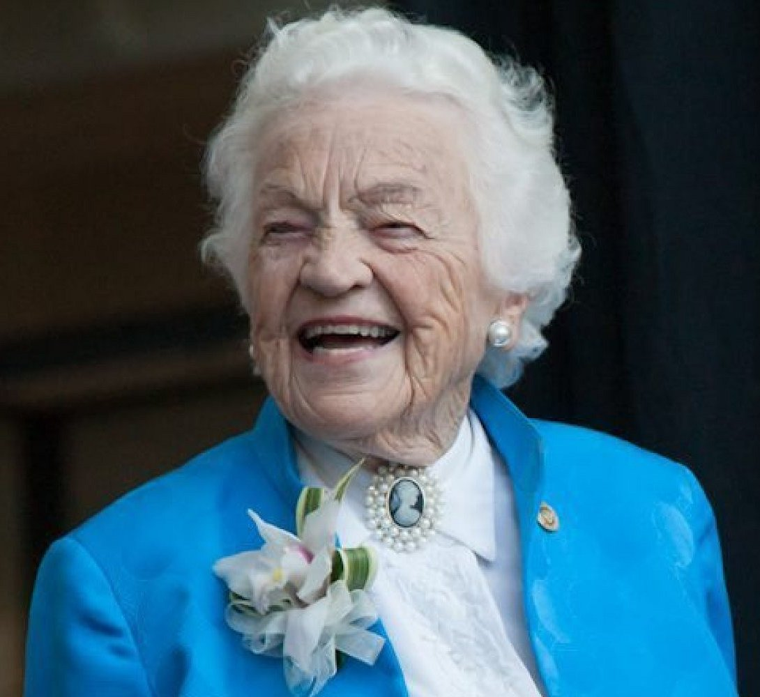 Hazel McCallion circa Feb 2015 Google image from http://i.huffpost.com/gen/2650700/images/o-HAZEL-MCCALLION-facebook.jpg
