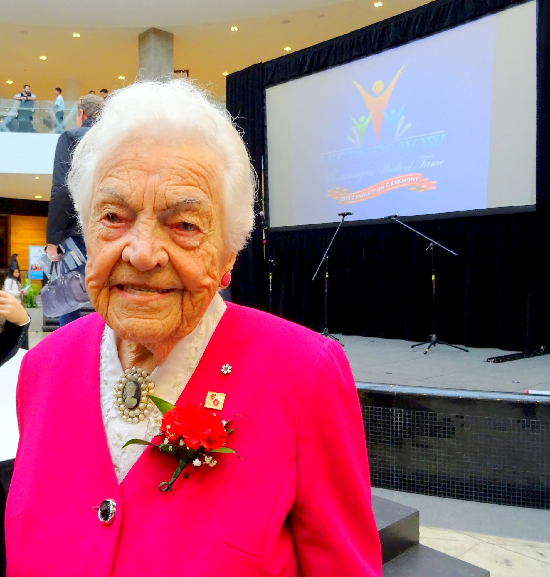 Legend Hazel McCallion photo by I Lee at Legends Row: Mississauga's Walk of Fame Induction Ceremony, Erin Mills Town Centre, 4 Nov 2017