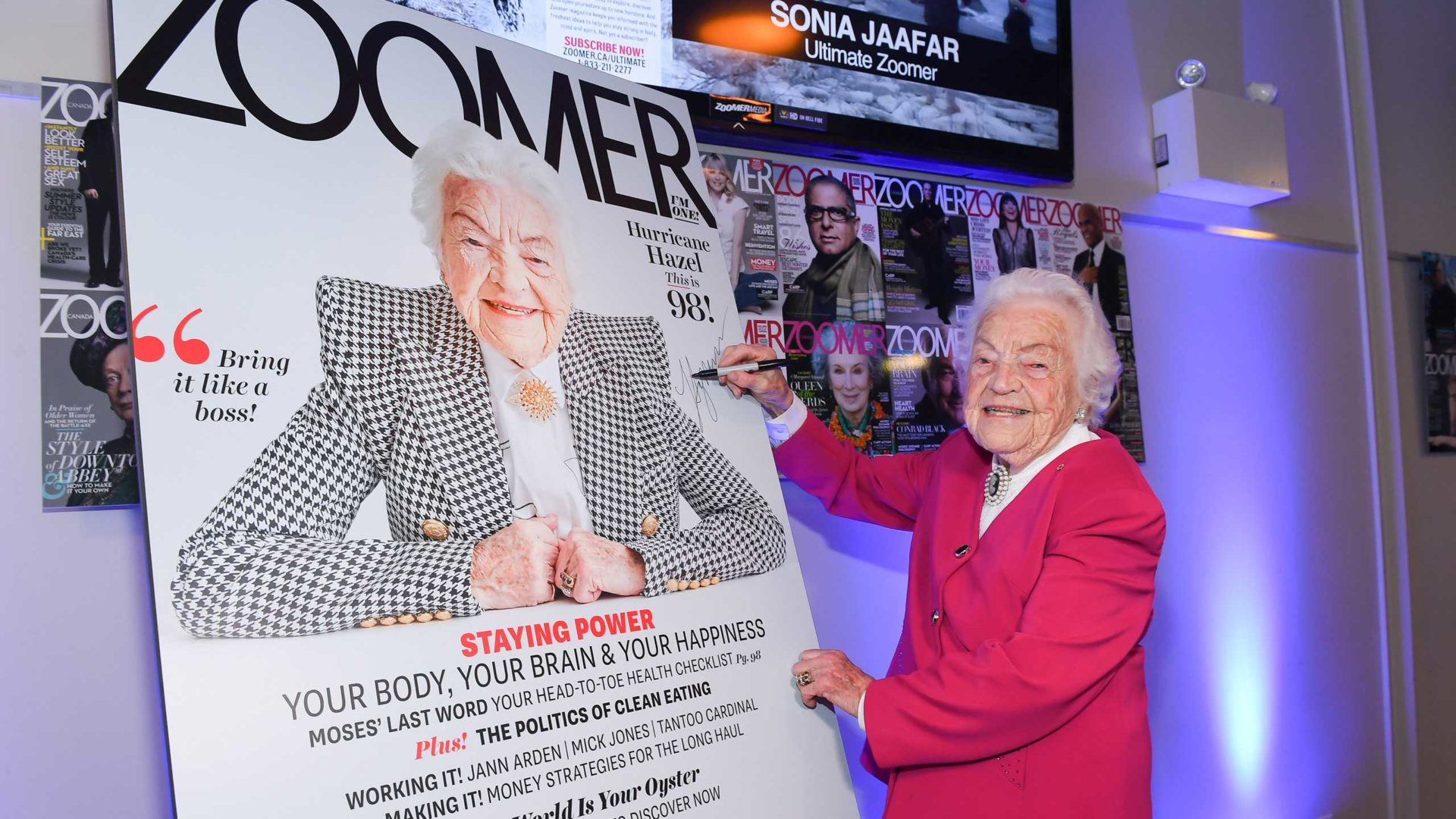 Hazel McCallion signs Zoomer Magazine Cover May 2019 issue. Photo by George Pimentel