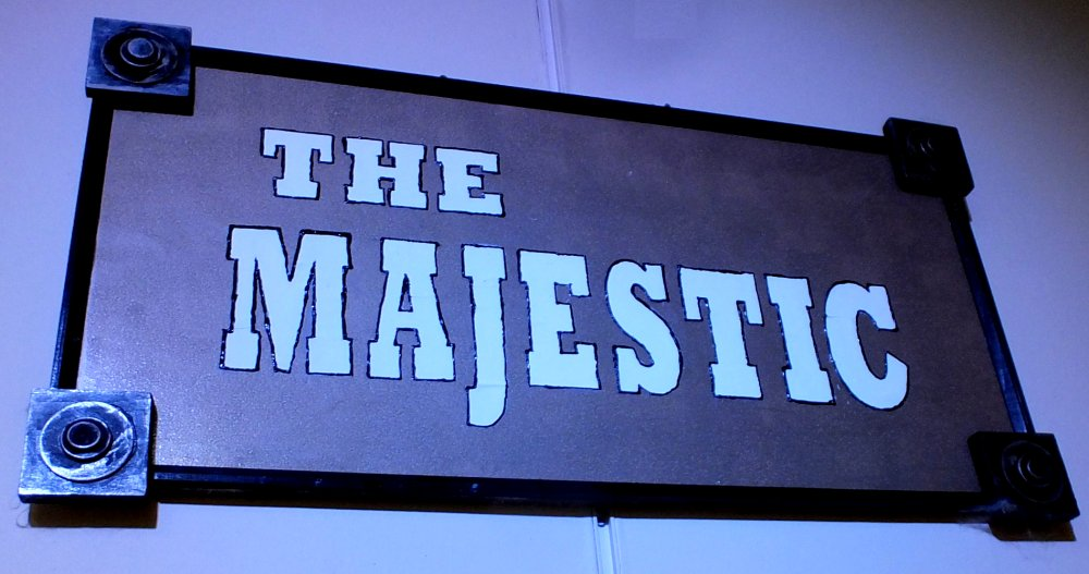At the Majestic Sign photo by I Lee 26Sep14