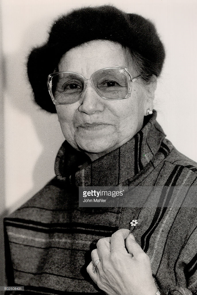 Millie Redmond Order of Canada 3 Nov. 1988. Photo credits: John Mahler, Getty images