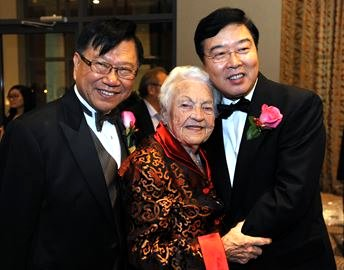 Mayor Hazel McCallion with Andre Mak (left), CPB Foundation President and Fang Li (right), Consul General of China http://www.mississauga.com/community-story/5165025-phoenix-ball-pays-tribute-to-mccallion/