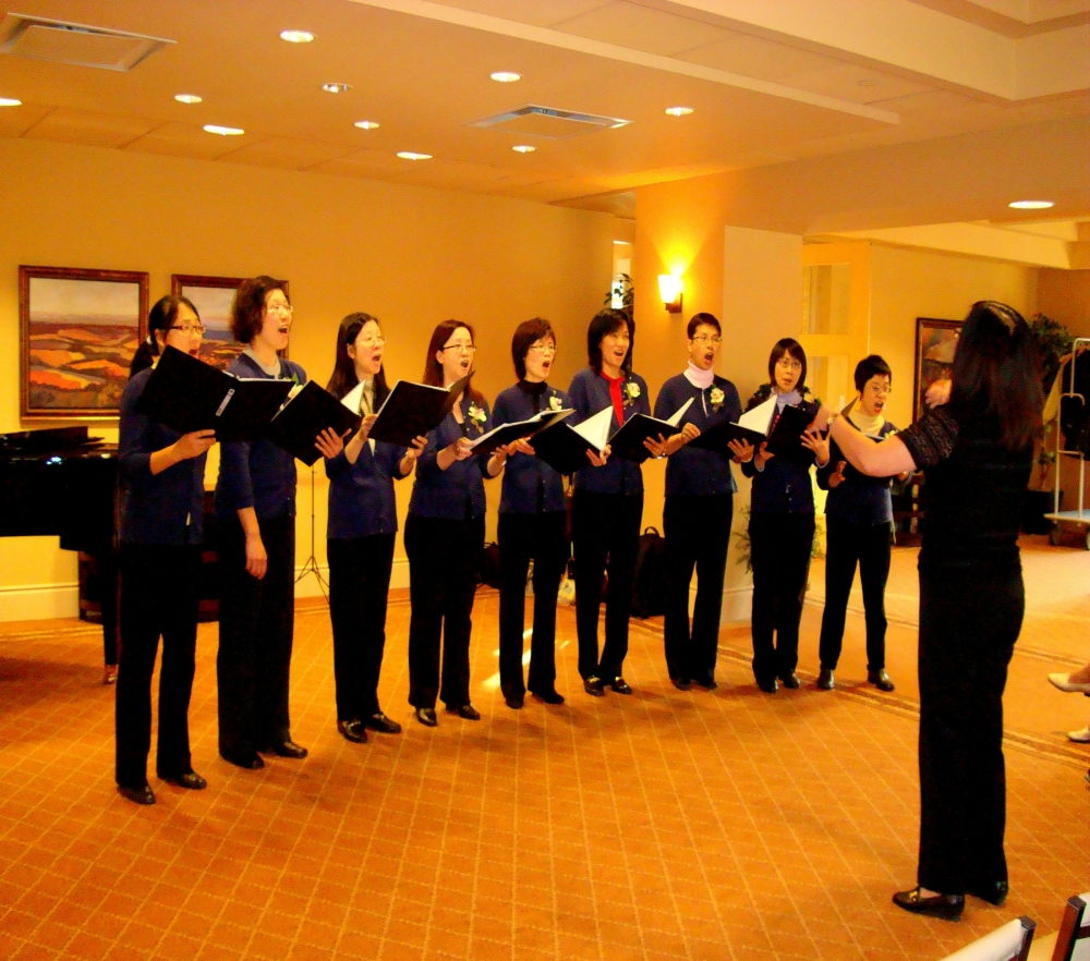 Song of Songs Choir from Mississauga Chinese Alliance Church - Photo taken at Palisades on the Glen 3 Dec. 2011