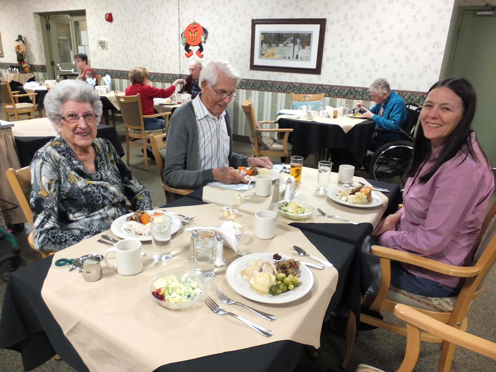 Thanksgiving Dinner at St. Charles Village 2 Nov 2014