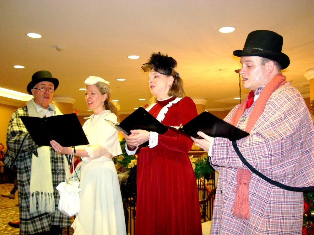 Victorian Carollers photo by I Lee
