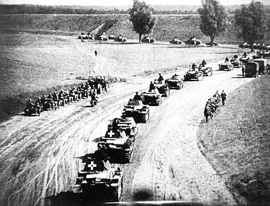 Blitzkrieg image from http://www.holocaustresearchproject.org/nazioccupation/images/blitzinpoland.gif