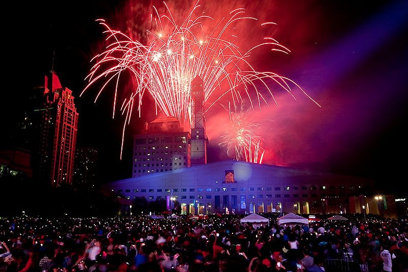 Canada Day Fireworks at Mississauga Celebration Square Google image from http://www7.mississauga.ca/eCity/Newsroom/canada-day-kit-2016/img/fireworks.jpg