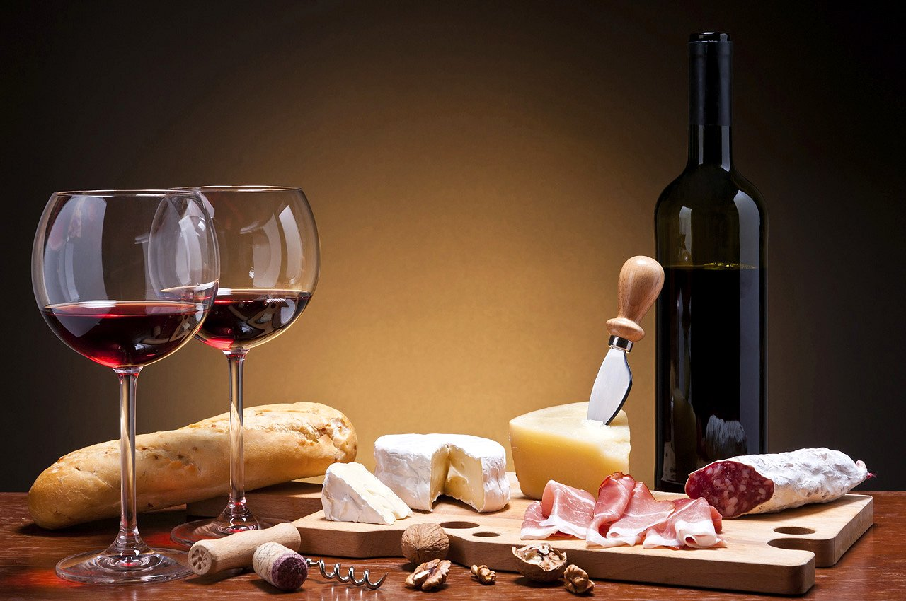 Made in Italy: At The Table: Food and Red Wine Pairing Google image from http://www.made-in-italy.com/files/imagecache/lg/pictures/italian-wine/learning/pairing-red-wine-and-food.jpg