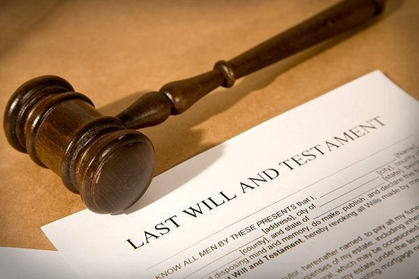 Last Will and Testament Google image from https://pbs.twimg.com/media/CAjEoMmUwAAZFTJ.jpg