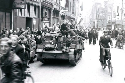 Liberation of the Netherlands 1945 Google image from http://www.thecanadianencyclopedia.com/articles/liberation-of-holland
