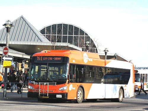 Mississauga Transit Bus MiWay Google image from http://farm8.static.flickr.com/7062/6837147794_b9e4cb545b.jpg