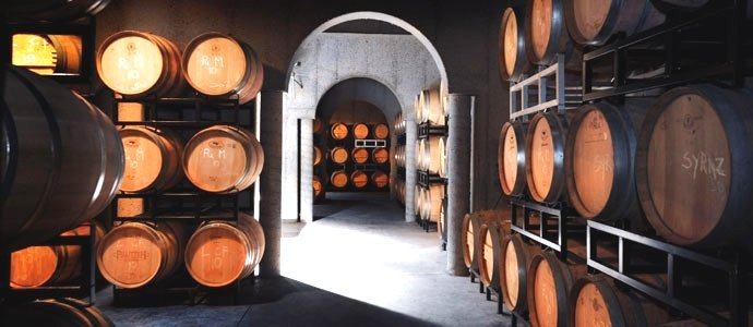 Pillitteri Estates Winery image from http://www.uncorkniagara.com/things-to-do-in-niagara/wineries/pillitteri-estates-winery/