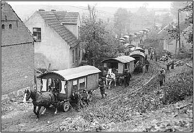 Roma Gypsy Wagon Caravan Google image from http://www.neatorama.com/tag/history/page/2/