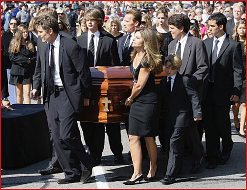 Ted Kennedy's Funeral a Star-Studded Farewell Google image from http://www.fadedyouthblog.com/wp-content/uploads/2009/08/shriver-kennedy.jpg
