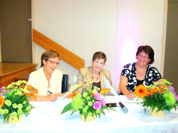Judges: Sara Paradis, Phyllis Styles, Susan Chopp at Chartwell 's 2009 Senior Star Regional Competition Event