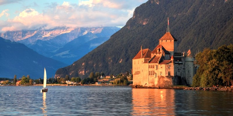 Best of Switzerland Summer Cruise 2015 Google image from https://www.trafalgar.com/aus/tours/best-of-switzerland/summer-2015