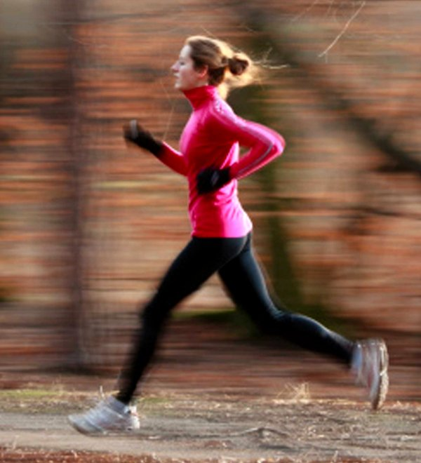 Woman Running image from http://goodnessme.ca/running-101-1