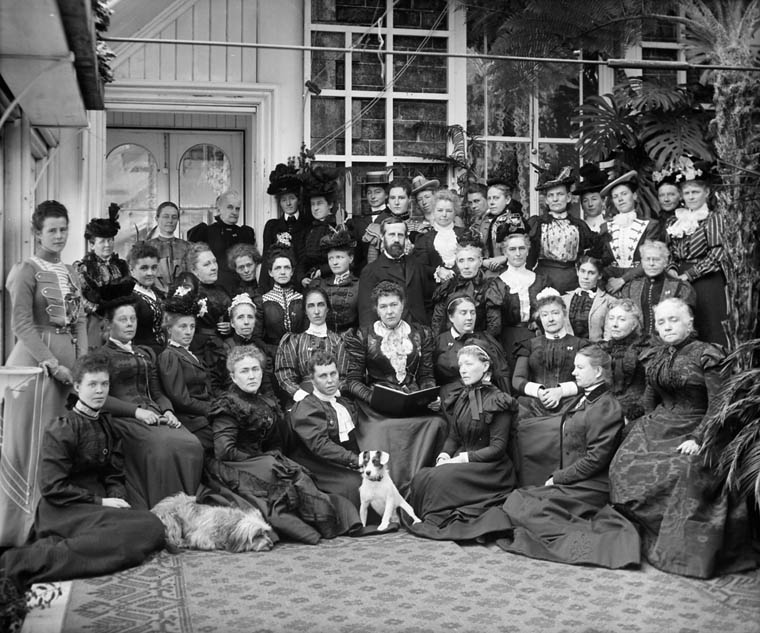 National Council of Women At Rideau Hall, Ottawa, Ontario, October 1898. (William James Topley. Library and Archives Canada, PA-028033) Google image from http://www.thecanadianencyclopedia.ca/en/article/suffrage/
