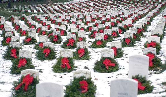 Christmas at Arlington Cemetery image from http://www.thetroubleshooters.com/80th/arlington01.html