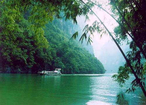 Beautiful Yangtze River Google image from http://www.yangtze-river-cruises.com/assets/images/yangzecruise/beautiful-yangtze-river.jpg