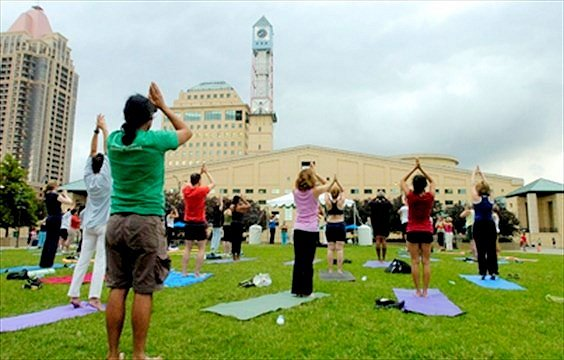 Outdoor yoga class draws a crowd, COMMUNITY Jul 9, 2008 by Chris Clay, Mississauga News, Yoga In The Park, Staff photo by Nikki Wesley